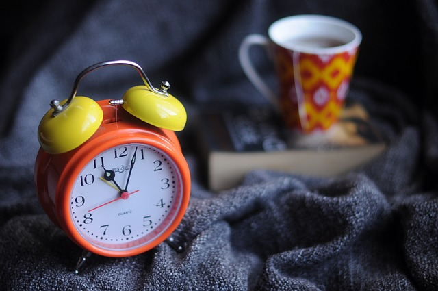 budík u čaje