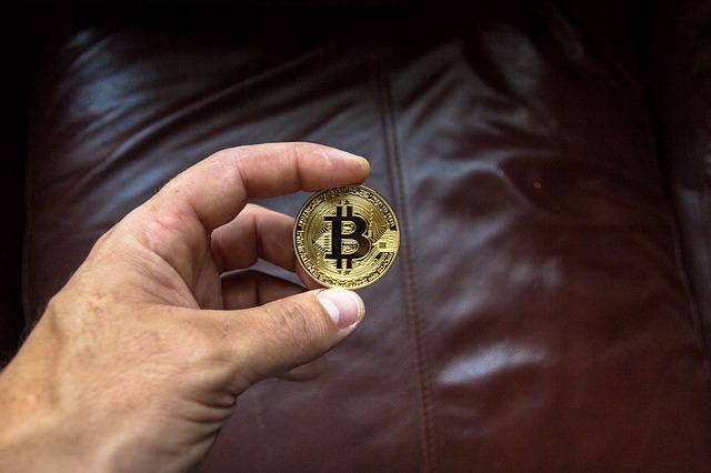 mince mezi prsty.jpg