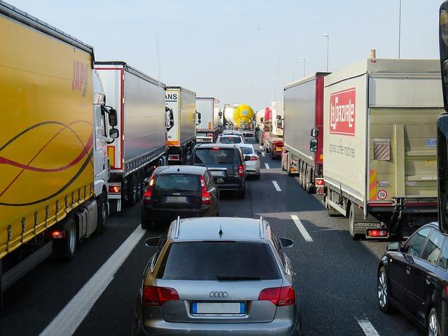 kolony na dálnici.jpg