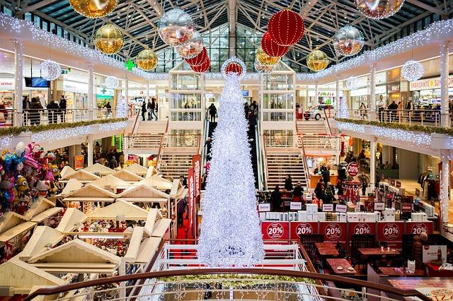 nákupní centrum na vánoce